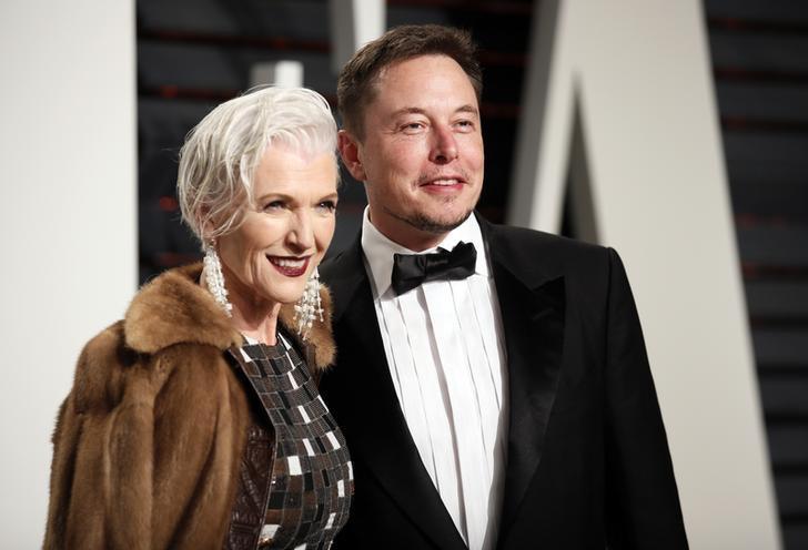 Maye e Elon Musk